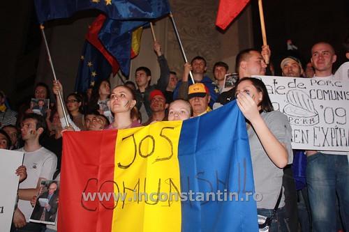 FOTO Miting la Bucuresti pentru sustinerea protestatarilor de la Chisinau 13