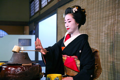 M A R I : A Moment of Perfection (mboogiedown) Tags: travel people woman beauty japan asian person japanese asia tea traditional ceremony culture geiko mari geisha kimono gion custom miyako odori chanoyu bijin kobu