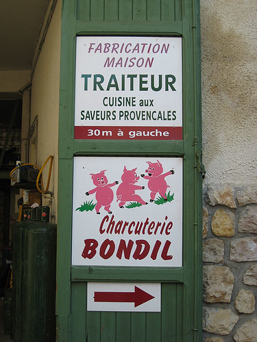 Advertisment in Moustiers - Sainte Marie France