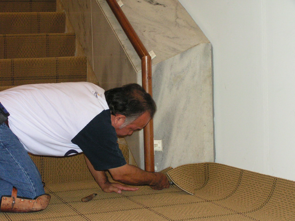 installing carpet on staircase 6-09