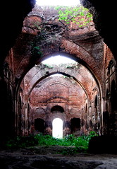Futo Masjid (Mosque with hole)[inside view] (lopamudra bag) Tags: old white green history tourism architecture ancient hole muslim islam ruin mosque bengal masjid bangla futo westbengal historicalruin murshidabad westbengaltourism paschimbanga bengaltourism futomasjid futomosque