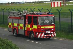 Dublin Fire Brigade D51 (Longreach - Jonathan McDonnell) Tags: ireland dublin dennis sas emergency dublinairport dfb md82 eidw dublinfirebrigade oykhg