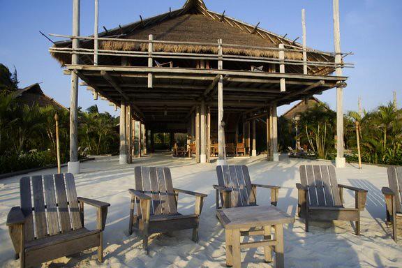 Nikoi Island Resort (image courtesy of Asia Pacific Breweries Singapore)