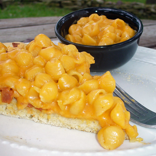 2011-06-04 - Mac & Cheese Pizza No. 2 - 0028