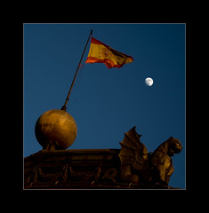 Atocha Moon (PiggBox.) Tags: madrid moon march spain dragon luna trainstation bandera terrorists terrorism 11th bomb bombattack attacks eta espania 113 gargoil renfe estaciondetren flad aplusphoto