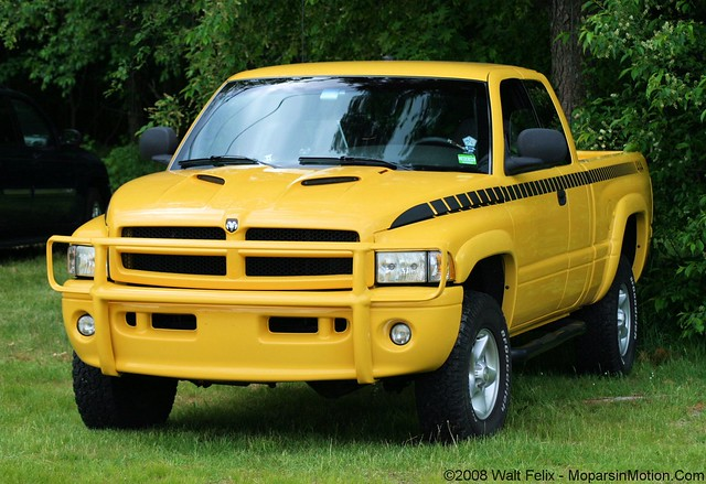 walter sport 2000 4x4 felix connecticut ct dodge mopar ram walt farmington conn pologrounds solaryellow farmingtonpologrounds moparsinmotion waltfelix walterfelix ©walterfelix