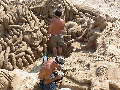 scukpteurs de sable.jpg