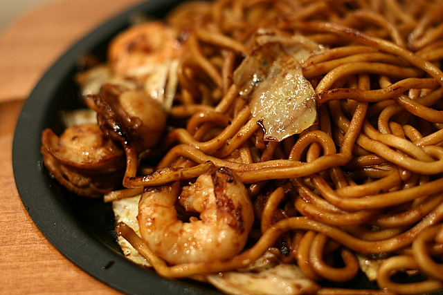Botejyu's yakisoba with prawns and scallops