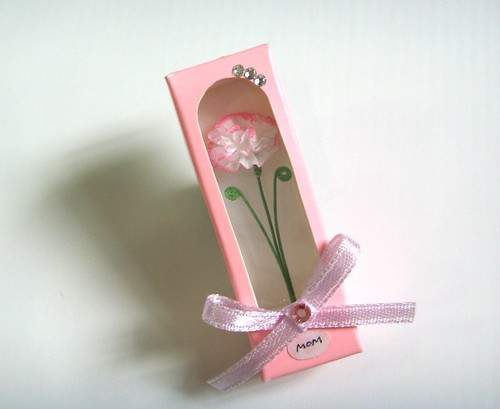 Pink flower box for MOM