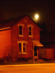 Star House, Flower Moon (glantine) Tags: moon house ontario night star perfect character hamilton fullmoon ambiance hfg flowermoon goldstaraward