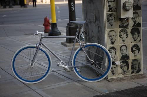 Globe Bikes: Roll