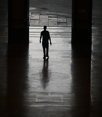 all the lonely people (giorgioGH) Tags: silhouette stazionecentrale centralefs lonelypeople mwmostra