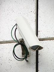 Caméra vidéo de surveillance by zigazou76, on Flickr