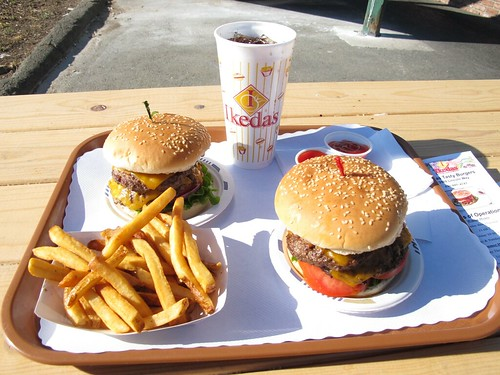 Ikeda's cheeseburger