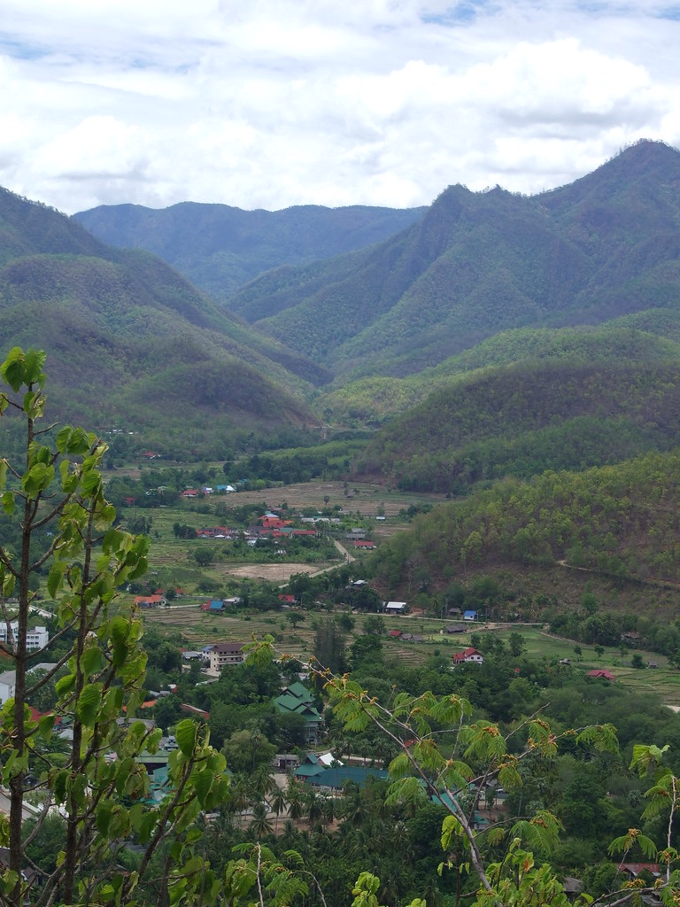 Mae Hong Son valley scene