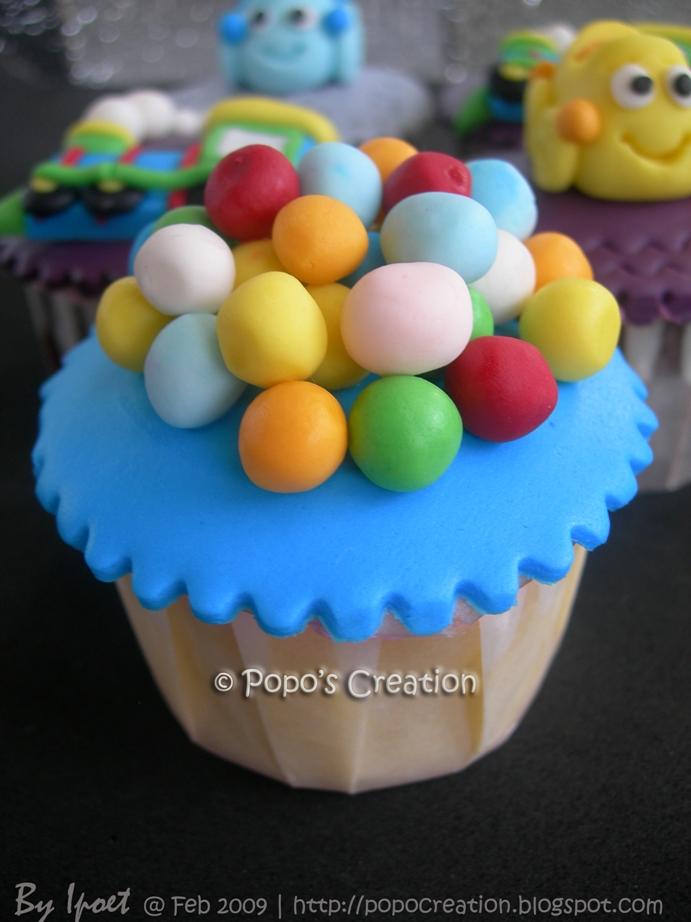 ball cupcake