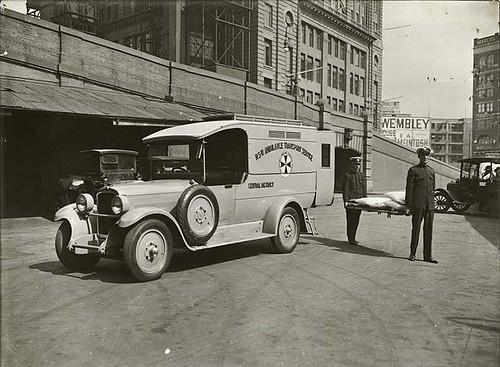 Ambulance, 1930