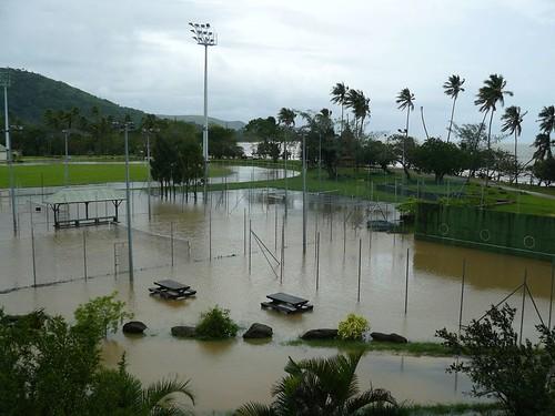 Depression tropicale fevrier 2009 Poindimie #2 : Inondation des terrains de Tennis