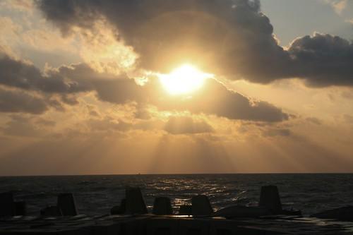 Cahaya menerangi Alam