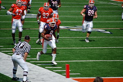 dont be fooled, he was out 10 yards ago (Johnny Heger) Tags: college campus illinois spring universityofillinois urbana champaign uofi chipsi