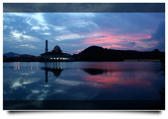 The Beauty of Universe (AnNamir c[_]) Tags: sunset reflection silhouette canon 350d bahrain mosque explore malaysia canon350d dq masjid goldenhour senja selangor mesjid fpc kualakububharu maghrib kualakubu goldenmoment alternation kkb theperfectphotographer duaij annamir puteracom masjiddq tasikhuffaz dqkkb getokubicom huffazlake iluvislamcom placeofphotographer buyaser wwwbuyasercom annamir2ucom kebesarantuhan wwwduaijphotocom