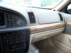 2001 Lincoln Continental Dash (intechdude300) Tags: 2001 2002 ford chevrolet car america town buick focus riviera 2000 fiesta taxi explorer 1996 continental 1999 camaro dash transit lincoln dodge 1997 1998 passenger 1995 concept v8 challenger connect verve mks intech of