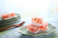 strawberry jelly (bananagranola (busy)) Tags: summer food cooking cake japan fruit dessert japanese spring strawberry homemade sweets jelly japanesefood fusion ichigo wagashi agar kanten kingyokukan awayukikan