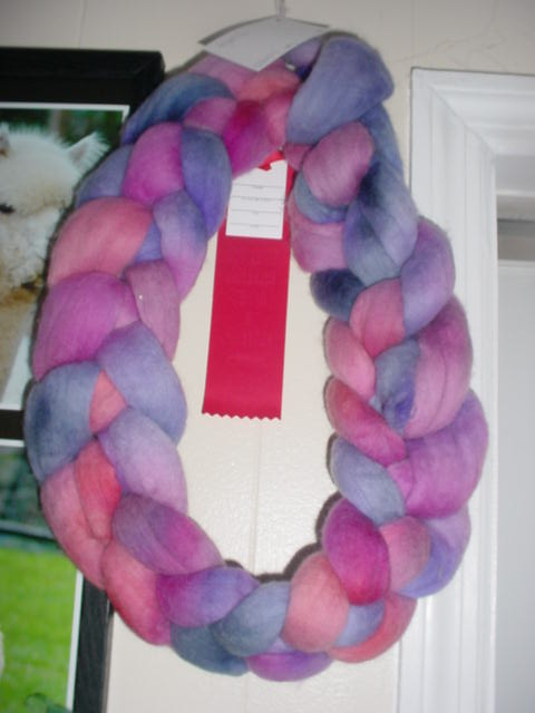 A wreath of fiber