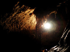 Perspective sous terre / Under earth landscape : detail (Aven d'Orgnac, France) (SaucissAligot) Tags: light france water eau lumire cave stalagmite paysage karst souterrain grotte aven ardche earthsciences geologie gouffre orgnac gologie karstologie karstology sciencesdelaterre