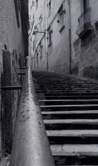 Y cmo cuesta ! (ratbril//M.Prat//) Tags: old lumix town spain girona bn panasonic catalunya subida escaleras vieux escaliers cascoantiguo peldaos barrivell graons hausse a3b fz28 ratbril