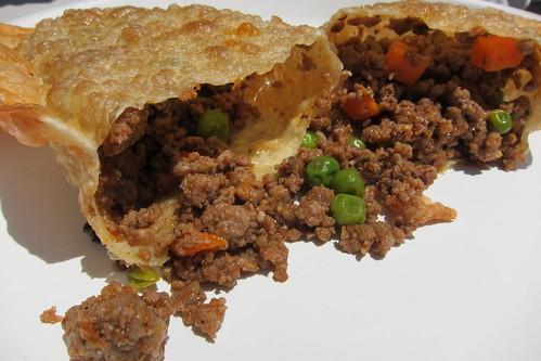 Ta Bom: Ground Beef Pastel