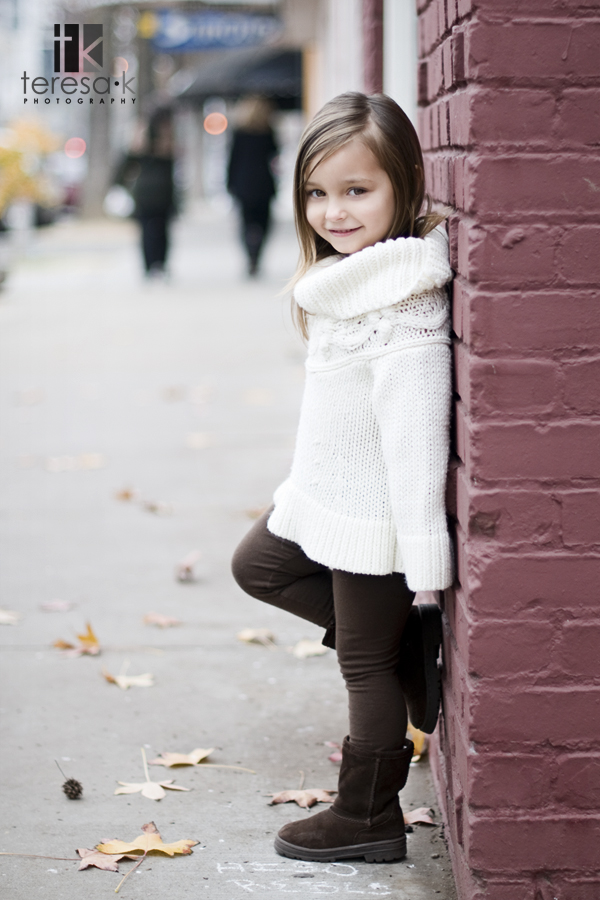 Olivia's portrait shoot in Downtown Sacramento by child photographer Teresa K of Teresa K photography, urban child photography for Sacramento