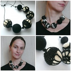 Black and White felted crochet necklace/Ч/б бусы