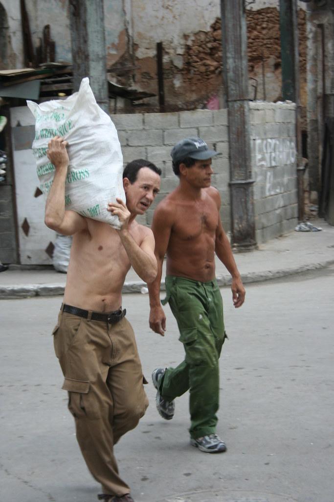 Cuba: fotos del acontecer diario - Página 6 3233387465_ff50b7eec7_b