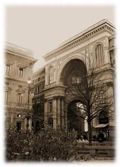 ingresso (Maurizio Badà) Tags: italy sepia italia milano lombardia galleria seppia piazzadellascala