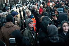 notmæli-20.01.2009-(33-of-70) (The Reykjavík Grapevine) Tags: by photos protest police reykjavík protesters grapevine helmets capax lögregla policeprotection protest2009 búsáhaldabylting dirtyshields infrontofparliament potsandpansrevolution hrun2008