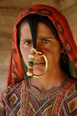 Asia - India / Jat - a tribe in Gujarat (RURO photography) Tags: voyage travel portrait india tourism beautiful smile face female scarf canon fun photography mujer asia pretty faces photos retrato femme muslim islam mulher cara reis tourist piercing portraiture asie nosering lonelyplanet frau portret indi islamic gujarat inde nationalgeographic reizen discoverychannel azi hoofddoek moslim bhuj jat gesichter digitalcameraclub supershot jath kartpostal enstantane anawesomeshot hodka voyageursdumonde journalistchronicles globalbackpackers discoveryphoto discoveryexpeditions rudiroels neusring thegalleryoffineportrait dhanetajat mindigtopponalwaysontop inspiredelite jathpeople jathwoman