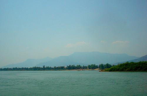 22.湄公河上的鄉村風光