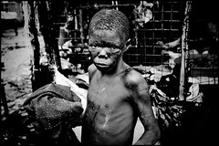zoriah_photojournalist_war_photographer_kenya_child_children_poverty_20090127_9212 (Zoriah) Tags: poverty camp children child kenya refugee famine kakuma zoriah