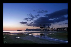 La Concha (Nukamari) Tags: reflection beach clouds port sunrise reflections puerto dawn harbour playa panasonic amanecer nubes gibraltar algeciras reflejos campodegibraltar justclouds lumixaward fz18