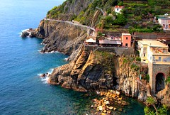 Via dell' Amore (klausthebest) Tags: sea italy panorama seascape nature rock bravo italia path liguria cinqueterre riomaggiore italians blueribbonwinner viadellamore topshots worldbest holidaysvacanzeurlaub betterthangood theperfectphotographer themonalisasmile