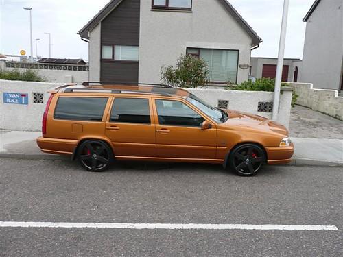 volvo v70r. Volvo V70R Saffron