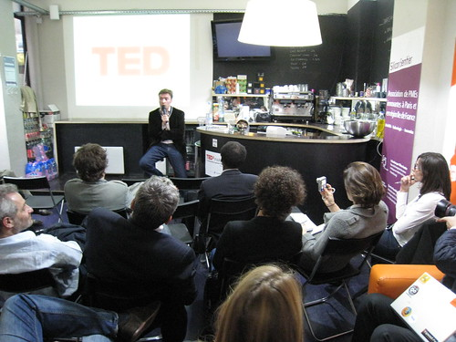 Vinvin chairing the happiness talk at Tedx Paris