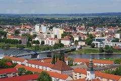 Frankfurt (Oder) (RayKippig) Tags: bridge building river germany frankfurt border highrise brcke brandenburg hochhaus oder grenzbergang grenze subice friedensbrcke flus oderturm