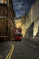 Red bus. Autobus rojo.