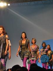 CSC_0129 (gigiv) Tags: philippines 2009 fashionweek mallofasia