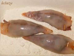 Calamares-rellenos en harina