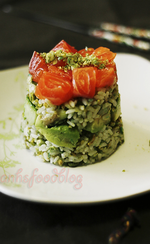 Wasabi-pea flavoured sushi layer `cake´ with salmon, avocado & cucumber