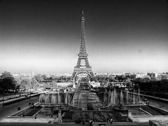 Eiffel Tower from the Trocadero - monochrome (Waughmeister) Tags: paris france monochrome eiffeltower hdr g9 canong9