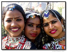 Dancers. Jaipur (Claire Pismont) Tags: travel portrait india color face festival colorful asia earth asie elephants jaipur couleur rajasthan inde viajar documentory 50millionmissing kalbeliya pismont clairepismont